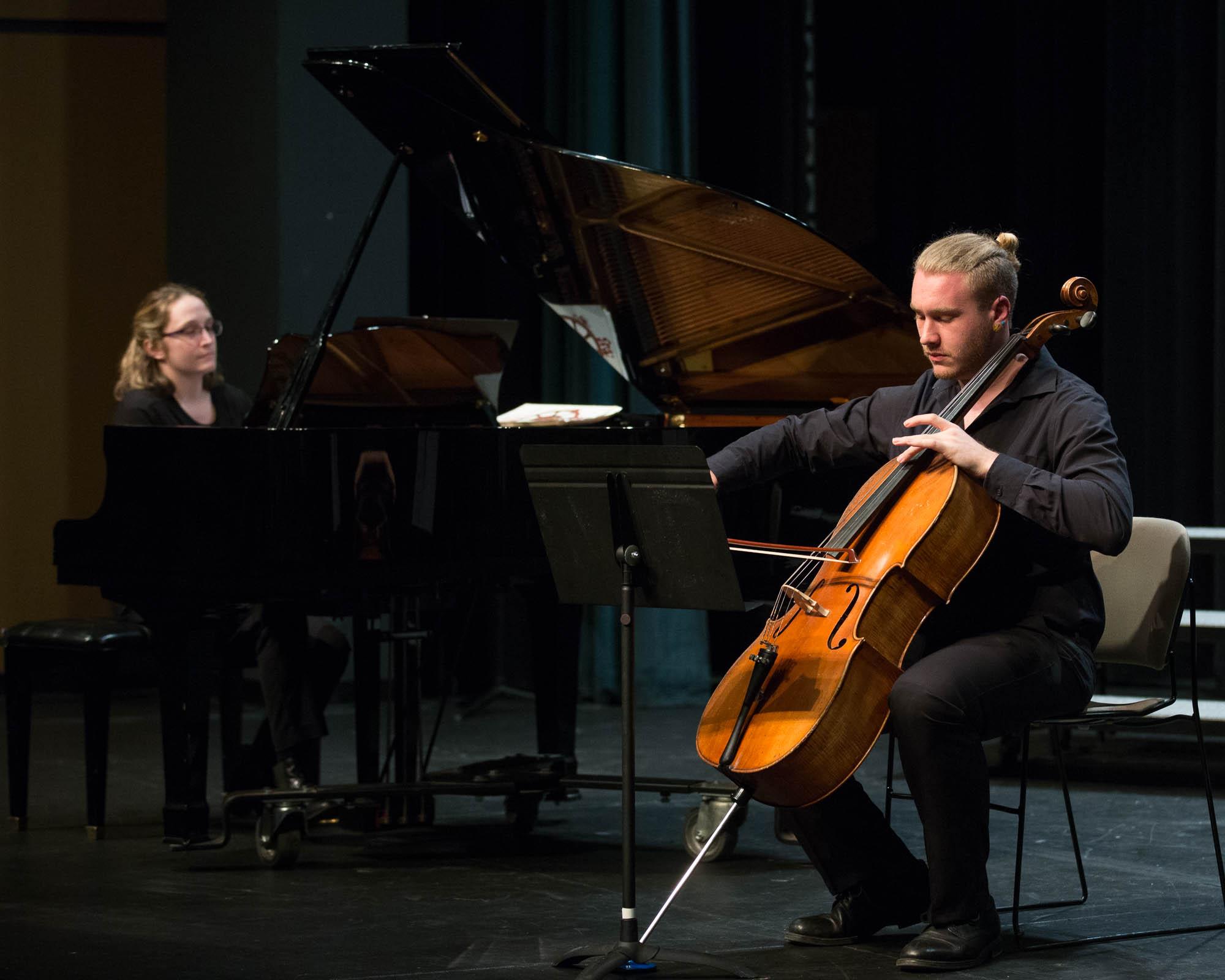 有没有学费全免或学费便宜的美国音乐学院推荐?