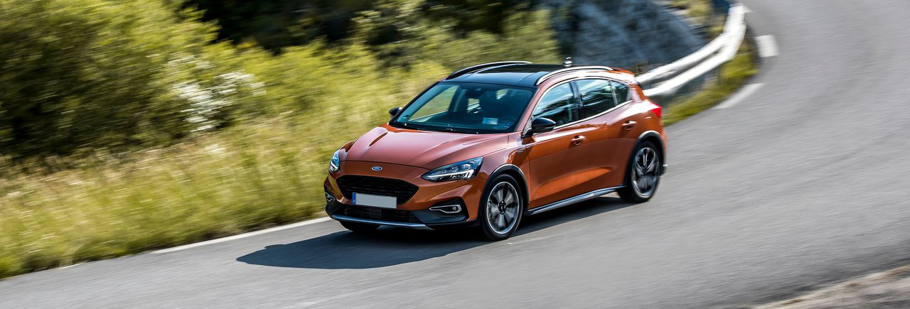 Ford-Focus_Active-2019