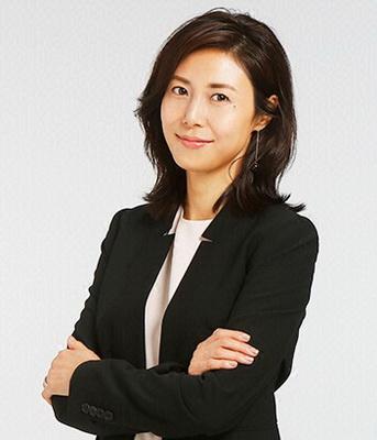 CFO         (Fiona Tang)