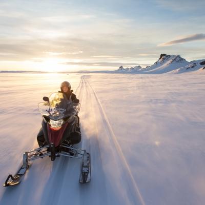 冰岛雪地摩托车www.nordicvs (2)