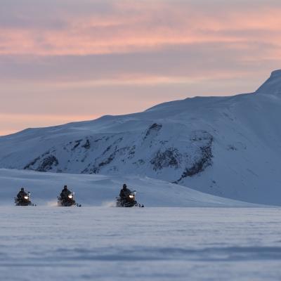 冰岛雪地摩托车www.nordicvs (1)