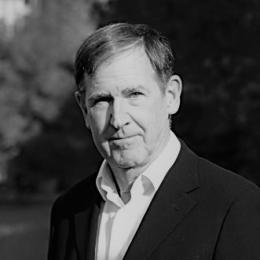 Edmund T. Rolls 是英国牛津大学计算神经科学中心、英国华威大学计算机系教授。神经科学领域著名的科学家之一,谷歌学术中共记有86650次引用,h-index为154。擅长通过数学方法,对于各类精神疾病的机制和神经系统的原理进行分析。著有多本脑科学专著。